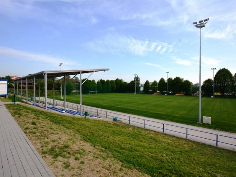 stadion strzegom-9